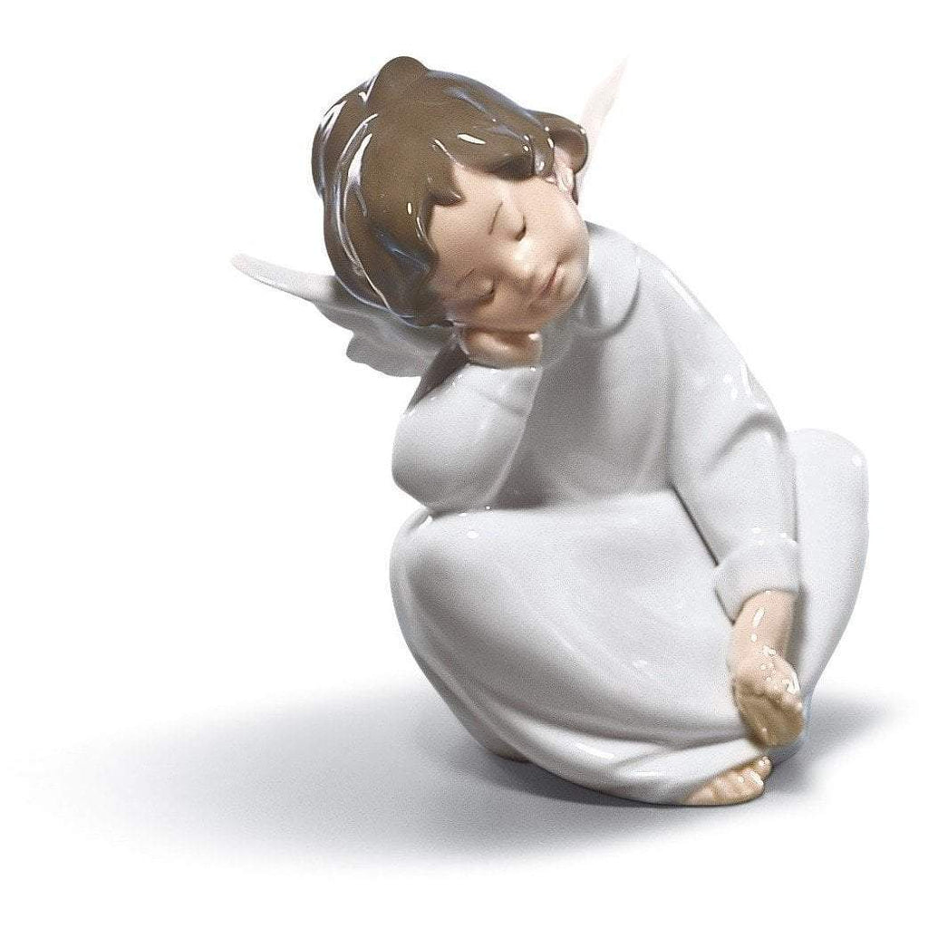 Lladro Angel Dreaming Figurine 01004961