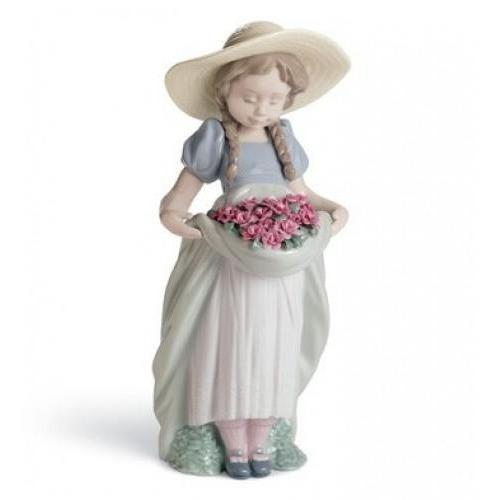 Lladro Bountiful Blossoms Carnations Figurine 01007229