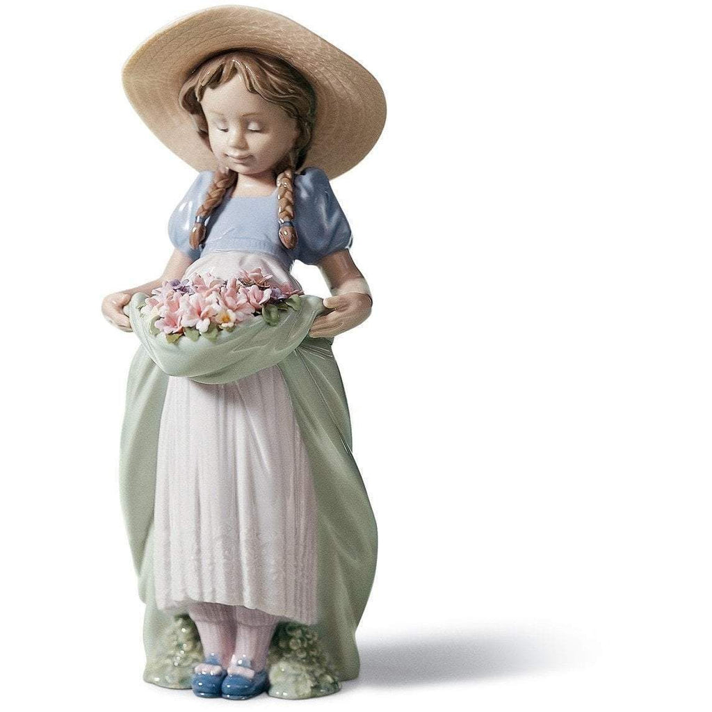 Lladro Bountiful Blossoms Figurine 01006756