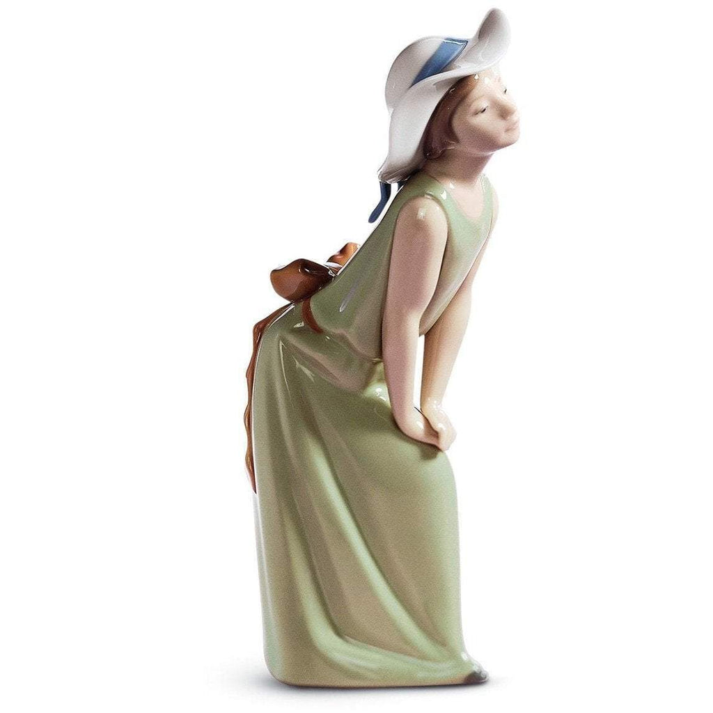 Lladro Curious Girl With Straw Hat Figurine 01005009
