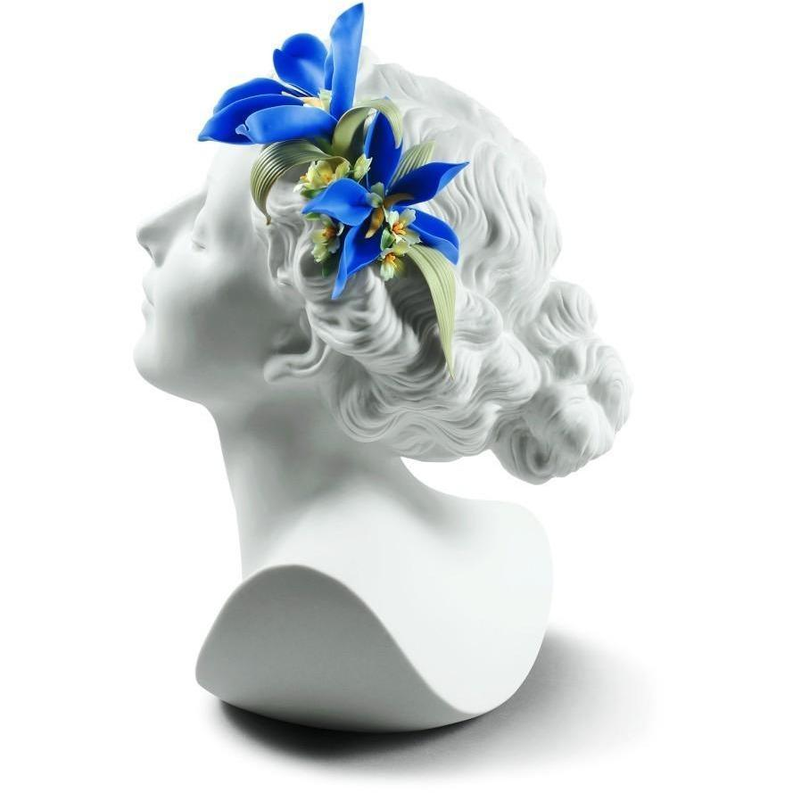 Lladro Daisy With Flowers Figurine 01009252
