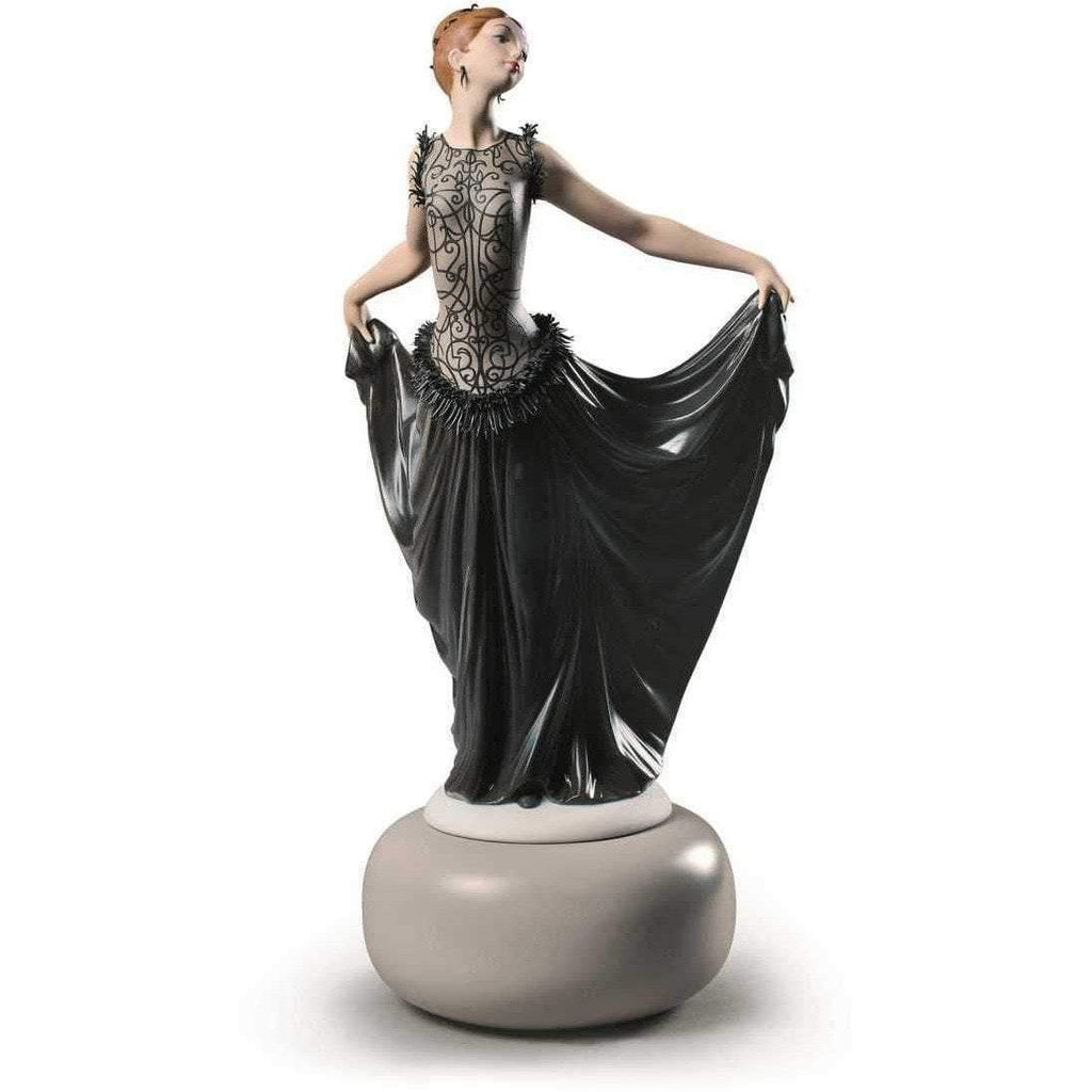 Lladro Exquisite Creation Figurine 01009360