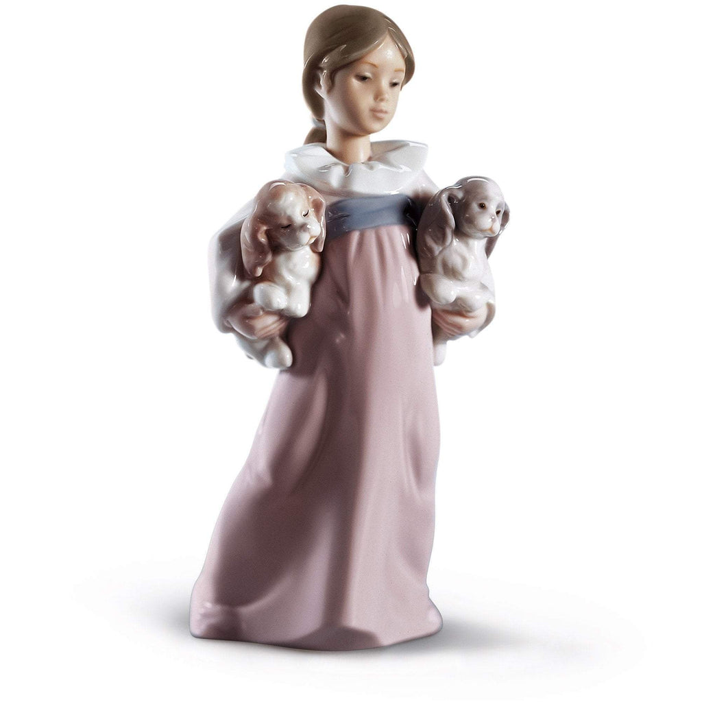 Lladro Figurines Arms Full Of Love 01006419