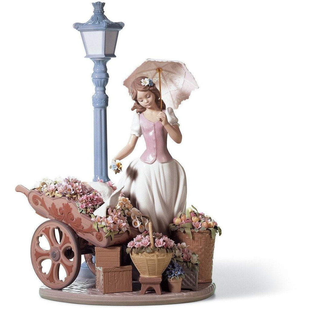 Lladro Flowers For Everyone Figurine 01006809