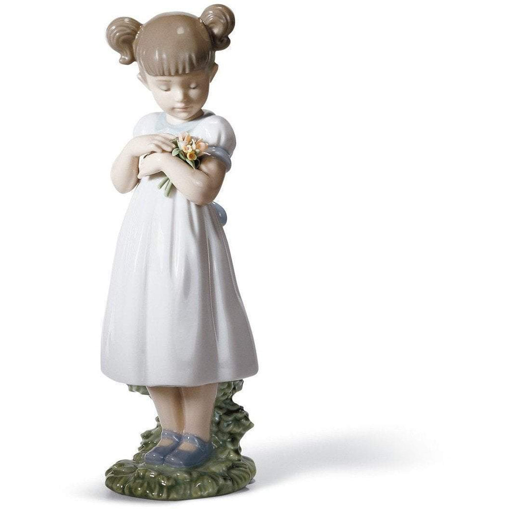 Lladro Flowers For Mommy Figurine 01008021