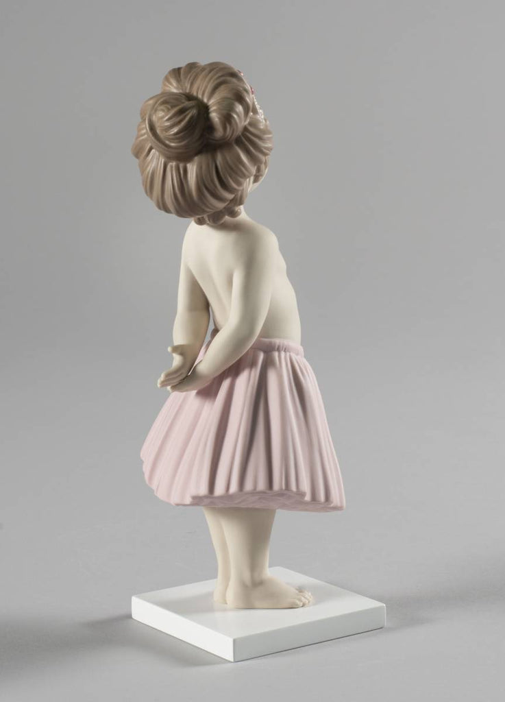 Lladro Girl'S Fun Figurine 01009377