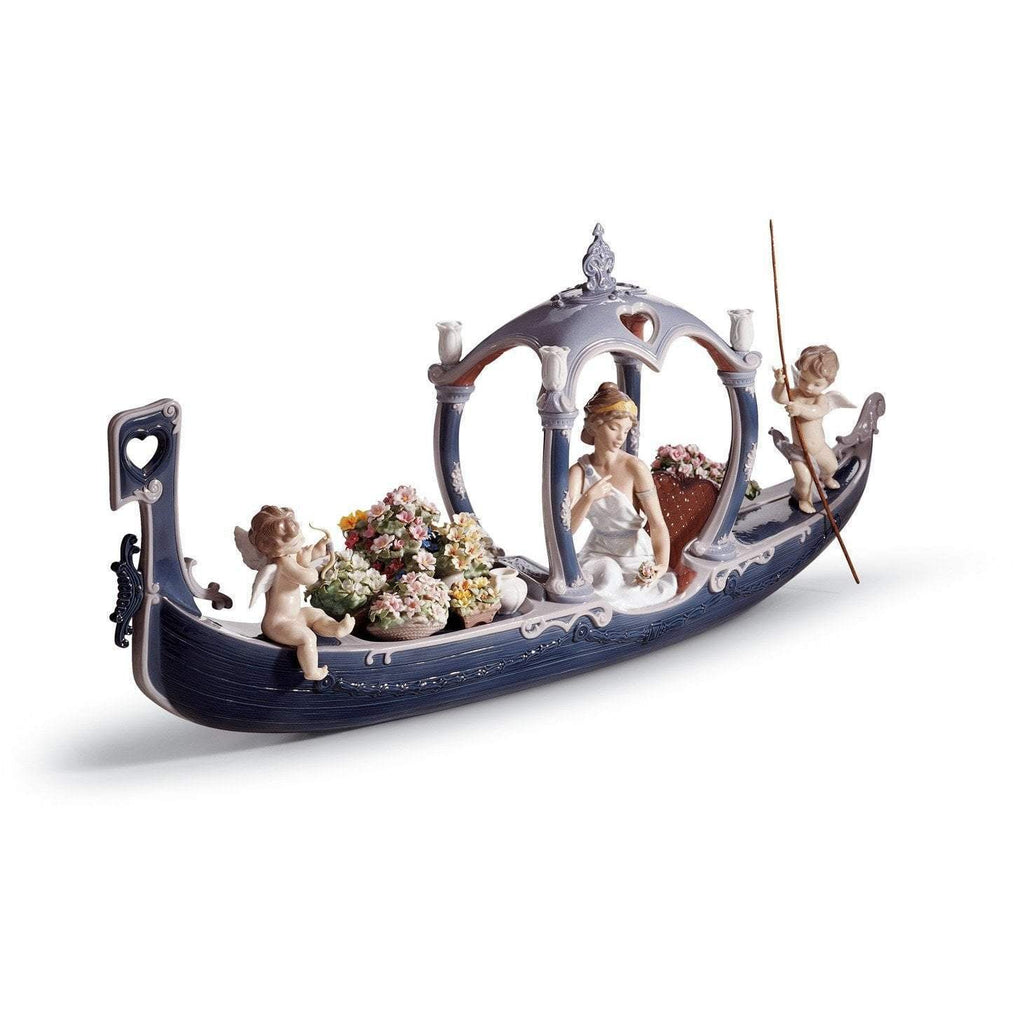Lladro Gondola Of Love Figurine 01001870