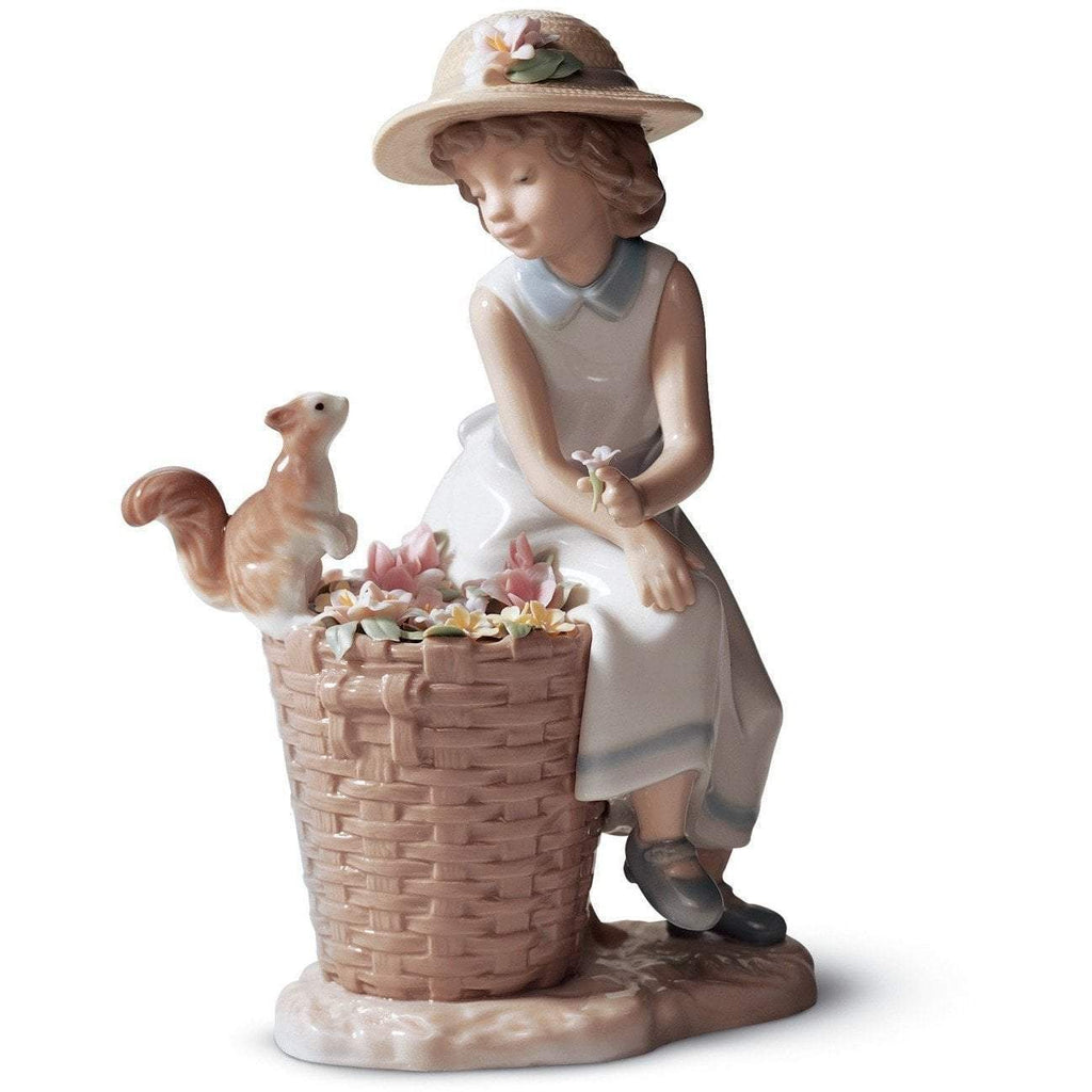 Lladro Hello Little Squirrel Figurine 01006825