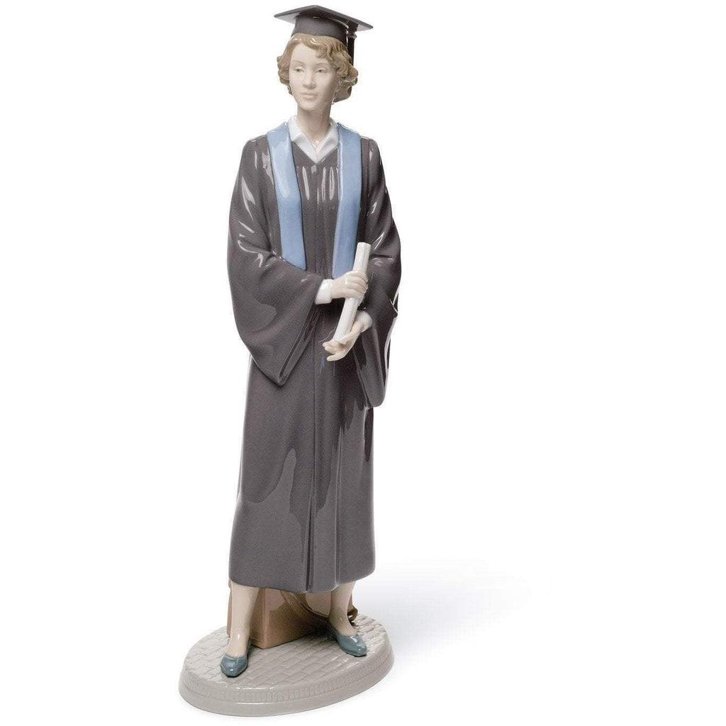 Lladro Her Commencement Figurine 01008396