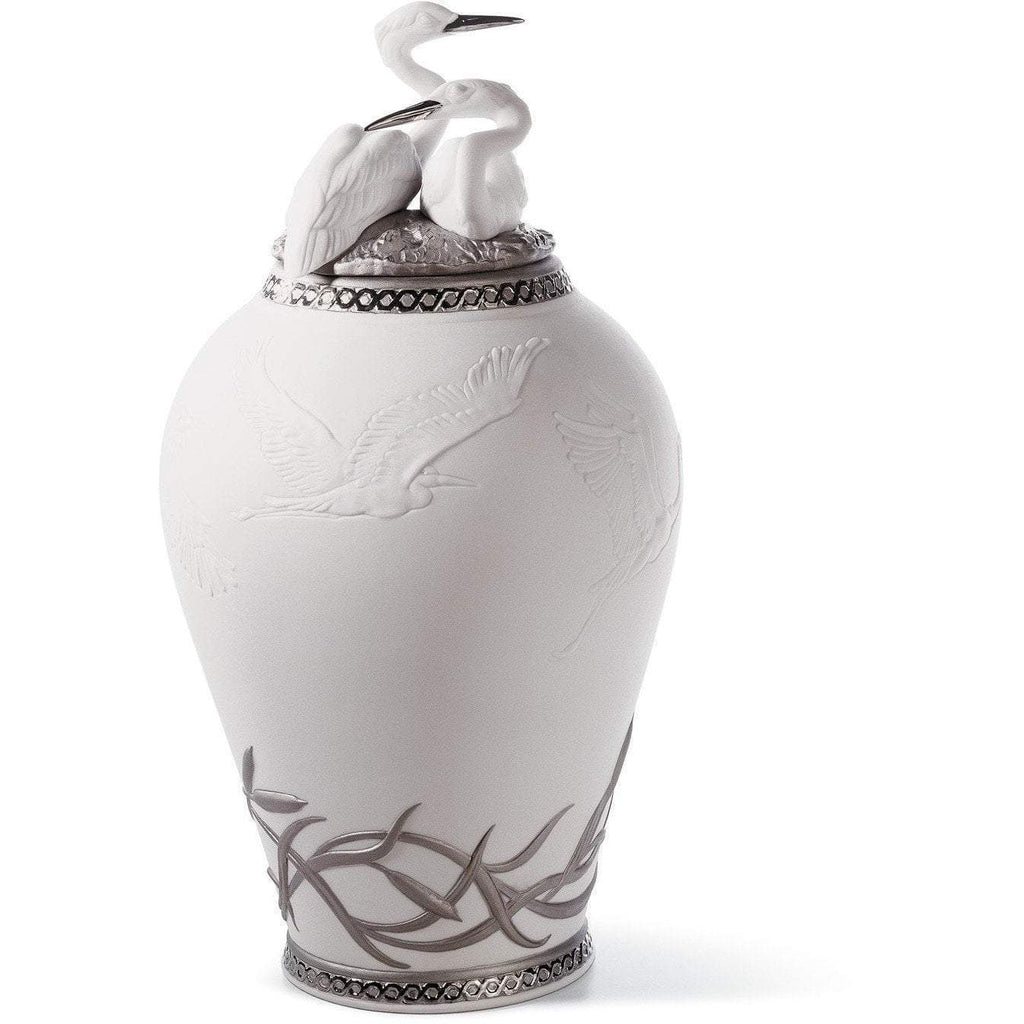 Lladro Herons Realm Covered Vase Re Deco 01007052
