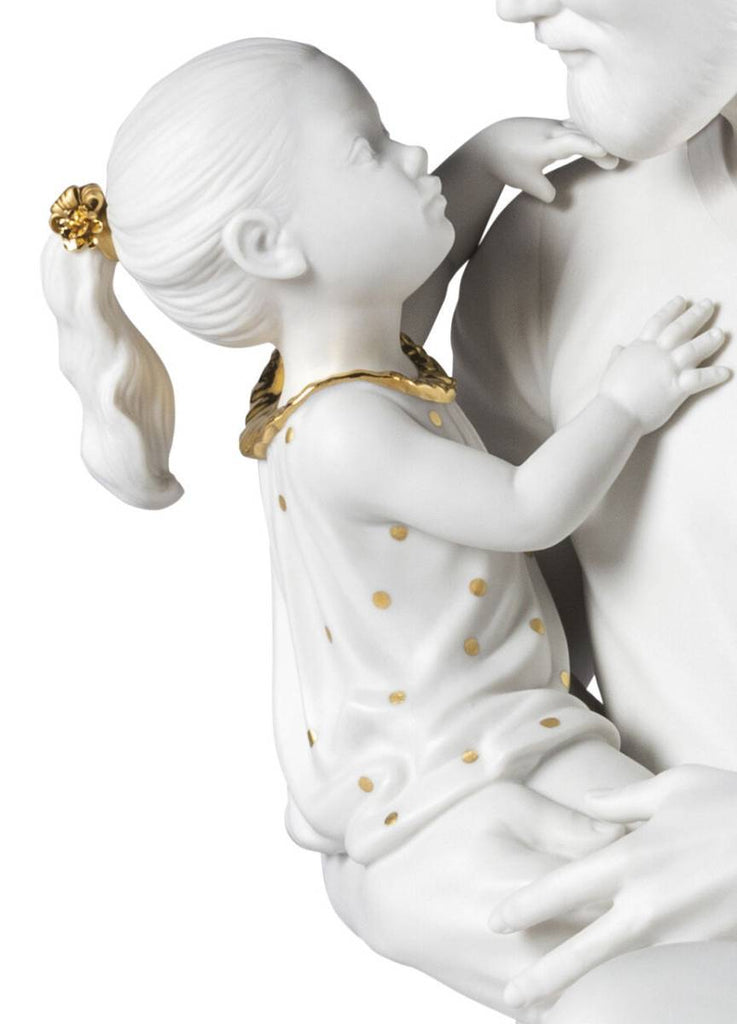 Lladro In Daddy's Arms Figurine White & Gold 01009392