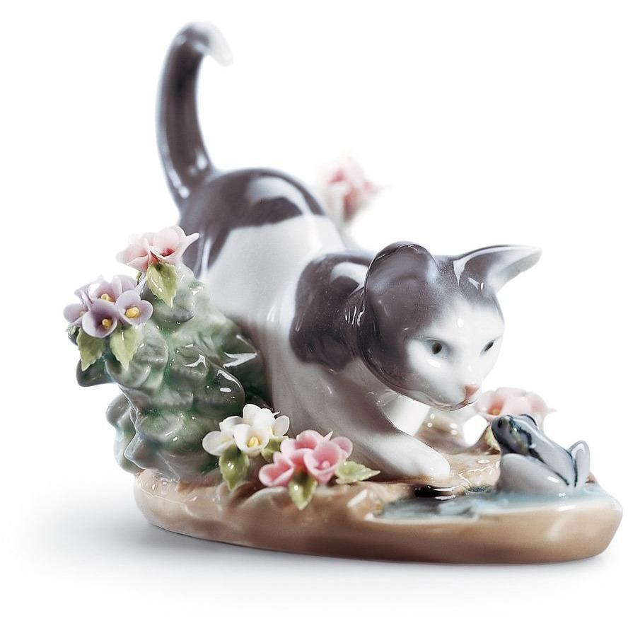 Lladro Kitty Confrontation Figurine 01001442