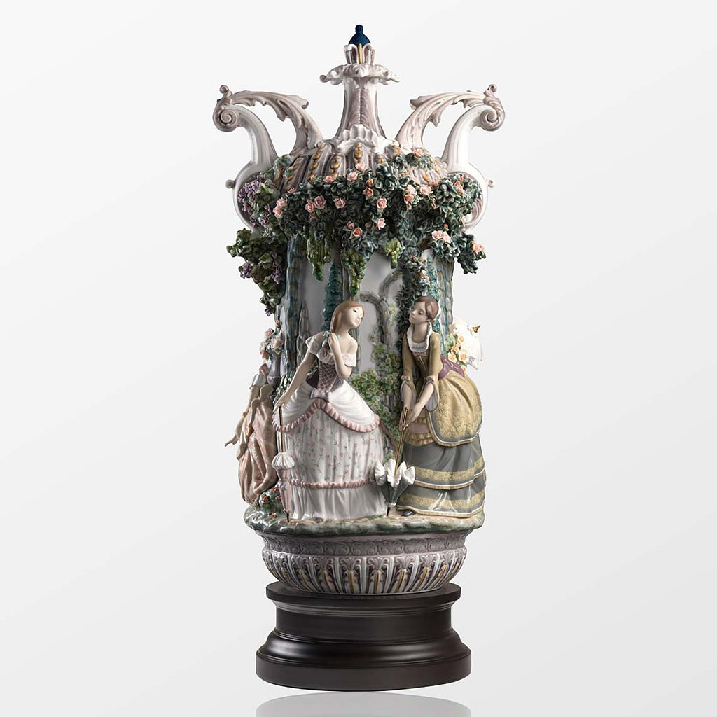 Lladro Ladies From Aranjuez Vase 01001968