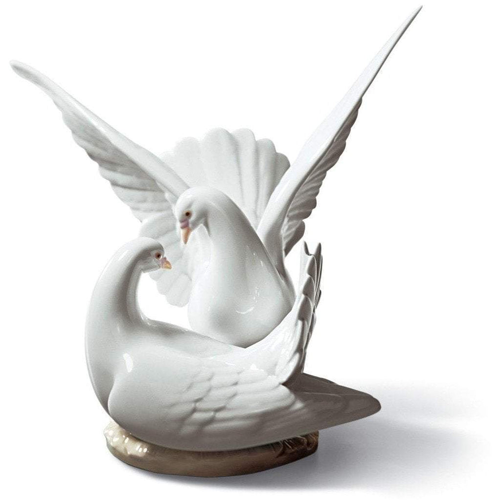 Lladro Love Nest Figurine 01006291