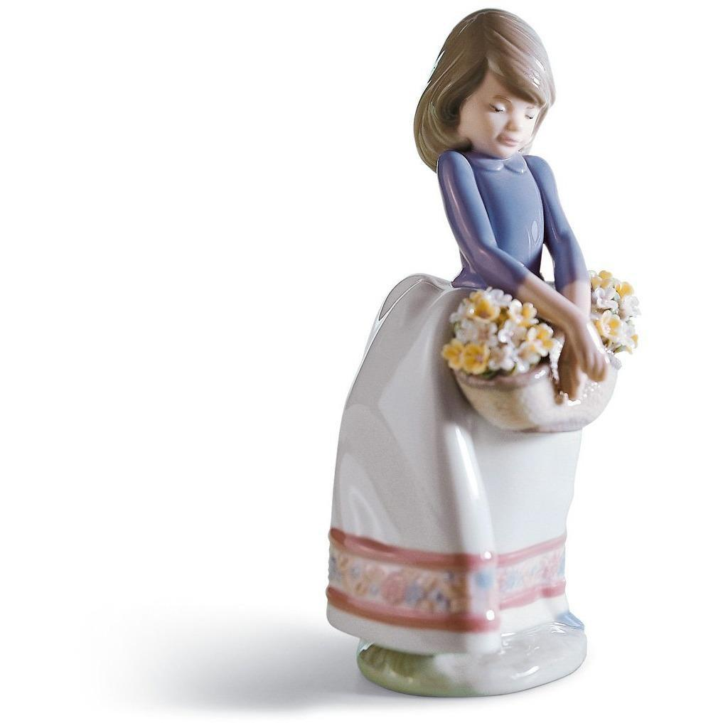 Lladro May Flowers Figurine 01005467