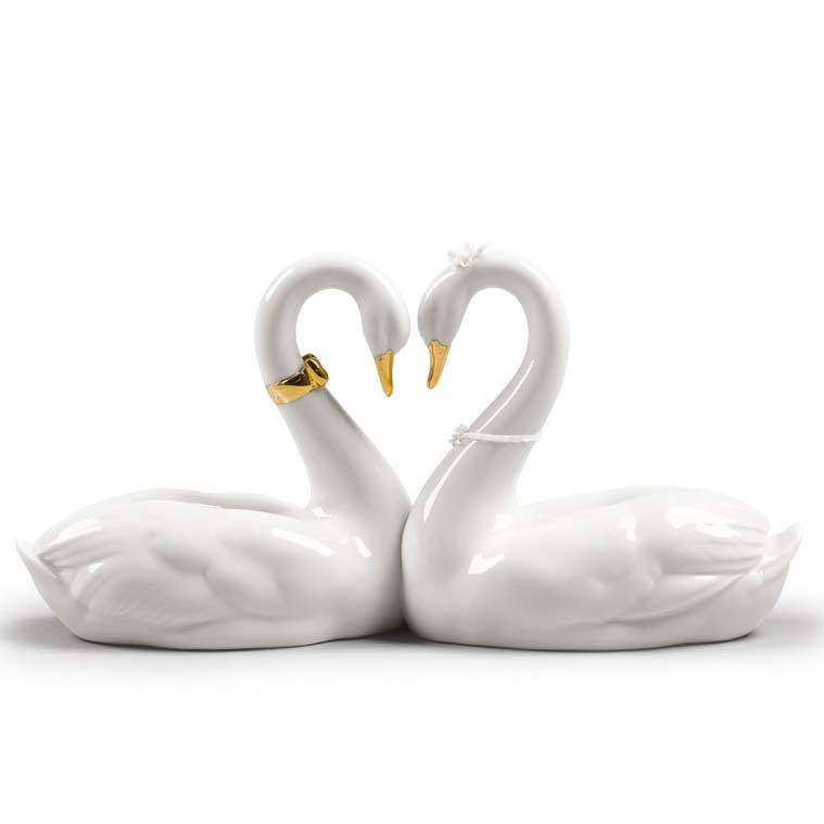 Lladro Endless Love Golden Re-Deco Figurine 01009304