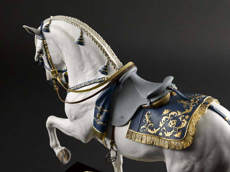 Lladro Spanish Pure Breed Figurine 01002010