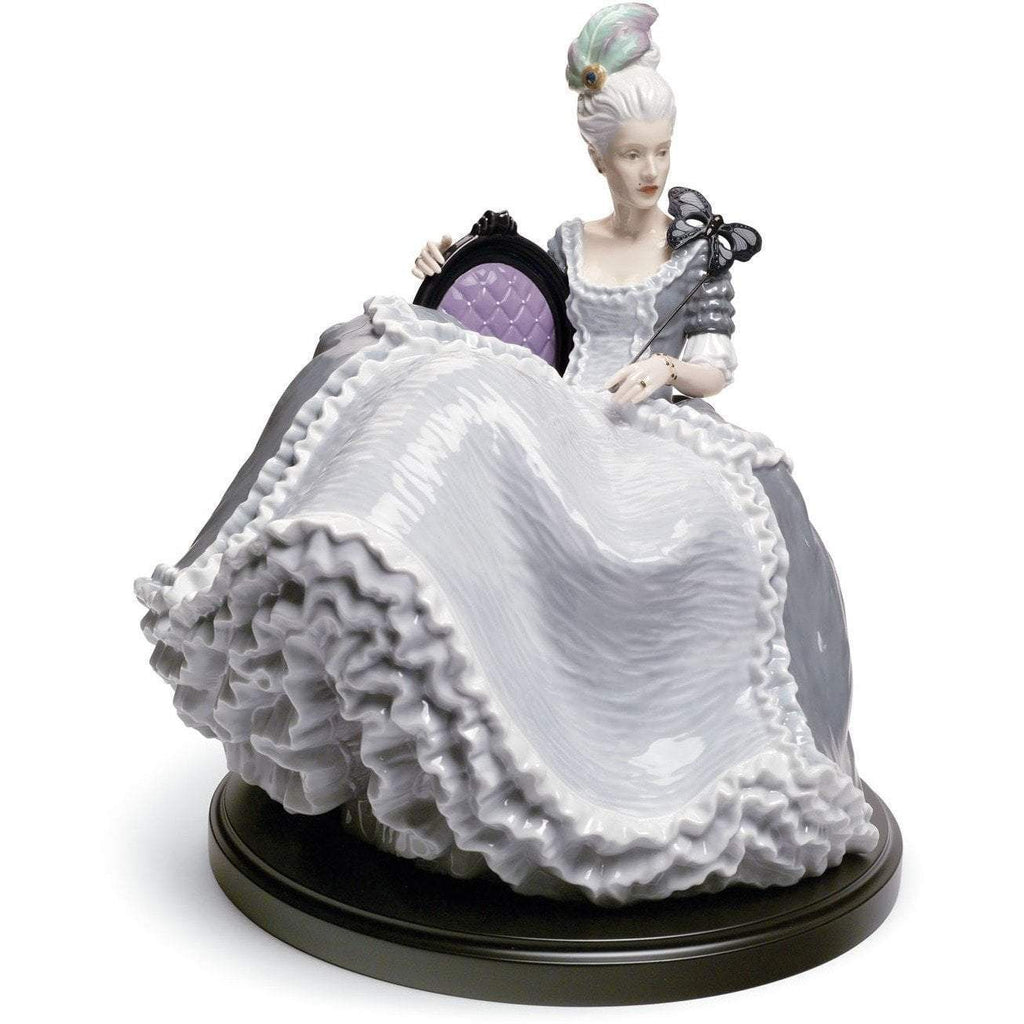Lladro Rococo Lady At The Ball Figurine 01008423