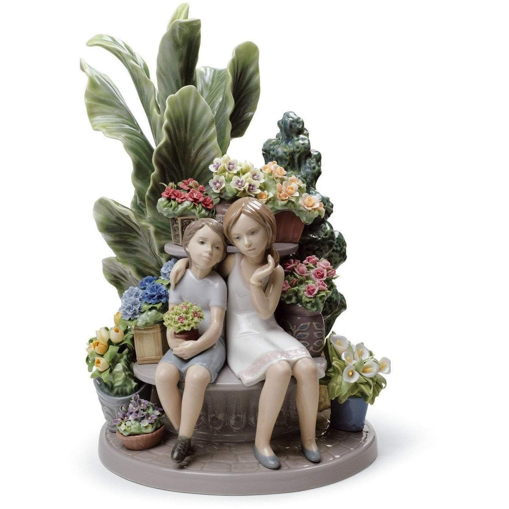 Lladro Secrets In The Park Figurine 01008506
