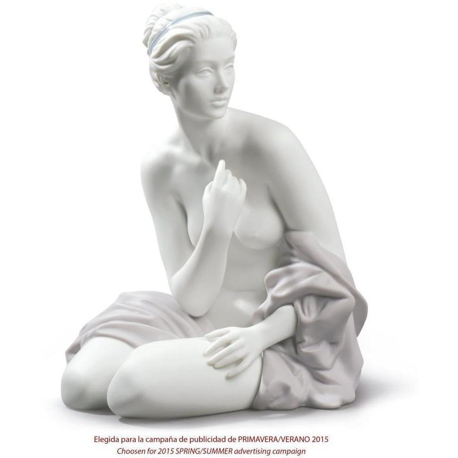 Lladro Sitting Bather Figurine 01009157