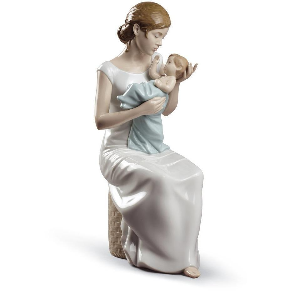 Lladro Soothing Lullaby Figurine 01008781