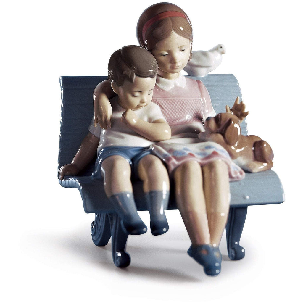 Lladro Surrounded By Love Figurine 01006446