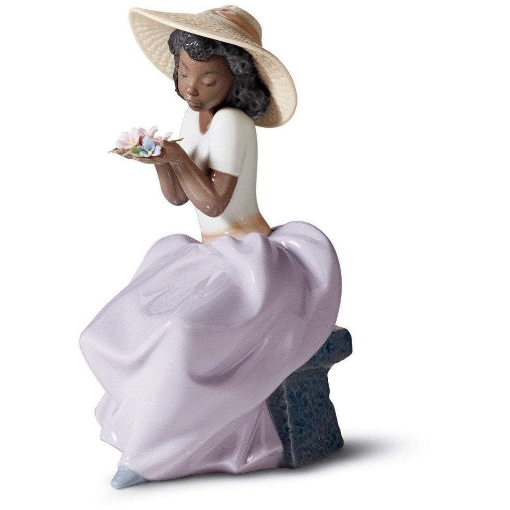 Lladro Sweet Fragrance Figurine 01006822