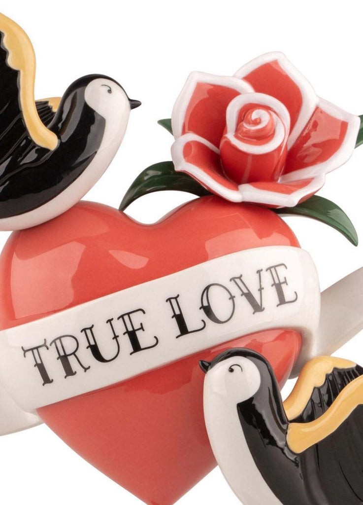 Lladro True Love Figurine 01009534