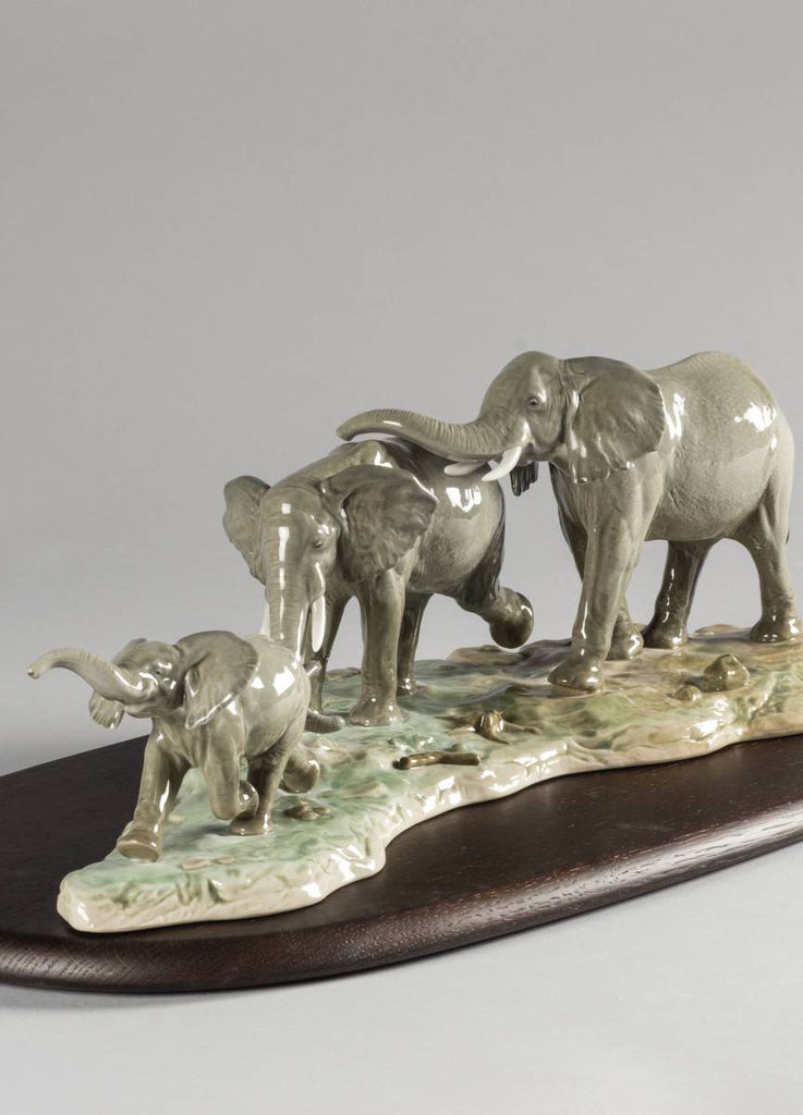 Lladro We Follow In Your Steps Elephants Sculpture 01009388