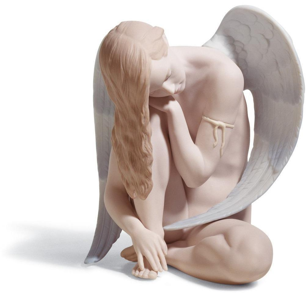 Lladro Wonderful Angel Figurine 01018236