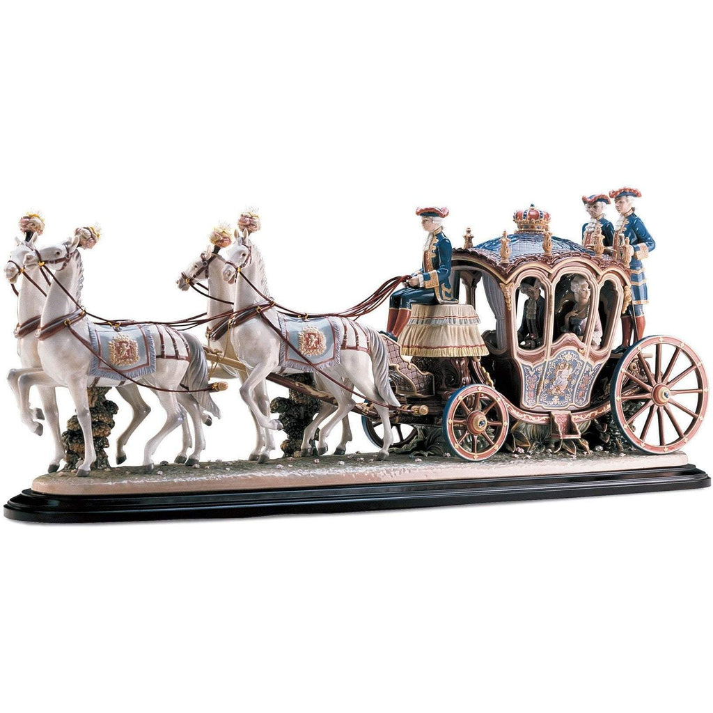 Lladro XVIII th Century Coach Figurine 01001485