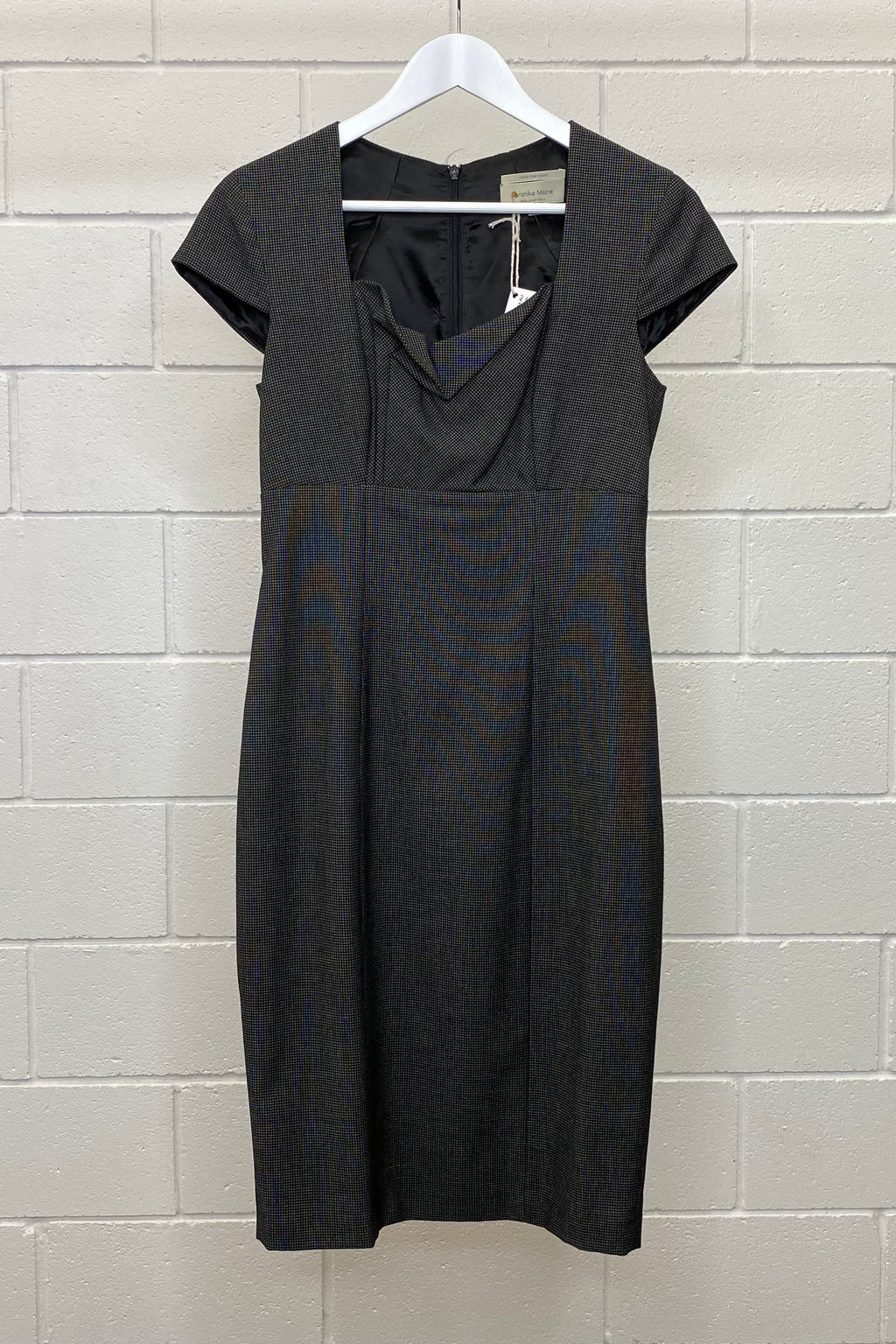 BLACK STRAIGHT CAP SLEEVE SIZE 8 | Dress (Preloved)