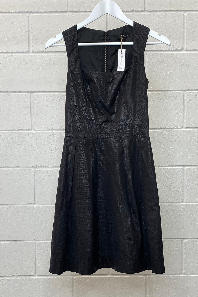 CUE SNAKESKIN PLEATHER SIZE 6 | DRESS (Preloved)