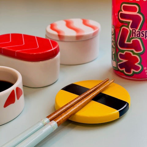 SUSHI LOVERS bowls for soy sauce made in Korea and available at JAHOKO.COM
