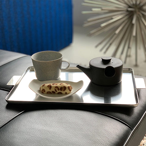 Alminium tray for serving. The style is simple & classic