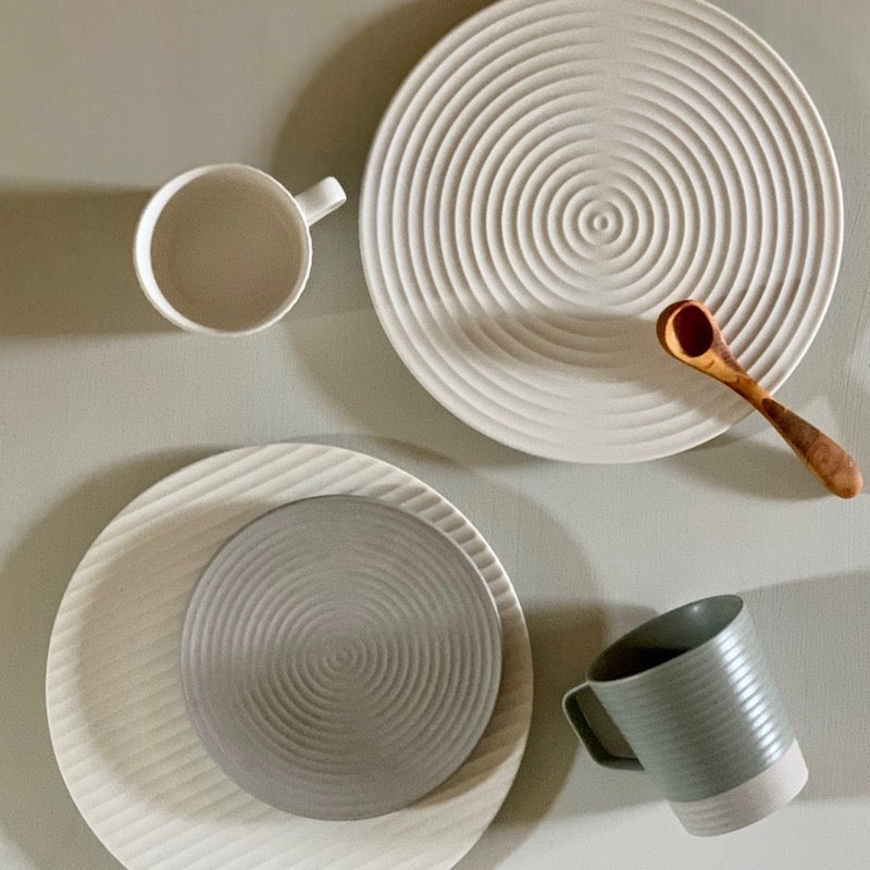 Japanese plates inspired by the zen garden - available at JAHOKO.COM