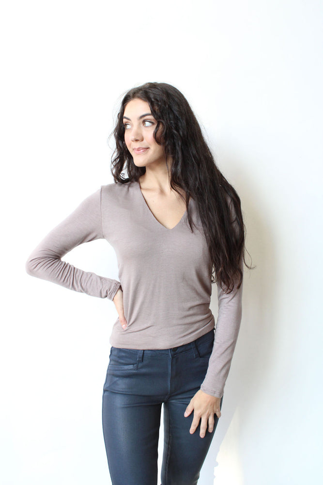 L/S V-Neck Crop Top