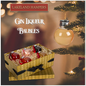 Small Wicker Effect Box with 5 Gin Liqueur Baubles