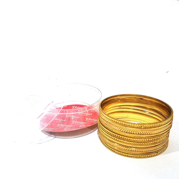 6 pcs golden kare with bangles
