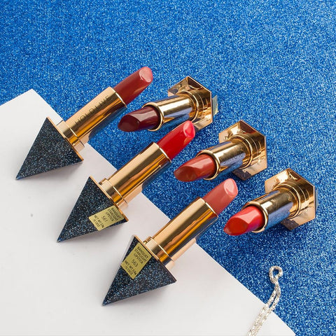 Chic Moisturizing Diamond Lipstick