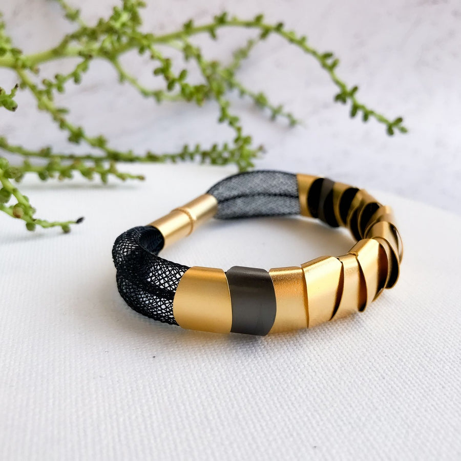 Chloe - Modern black and gold bracelet