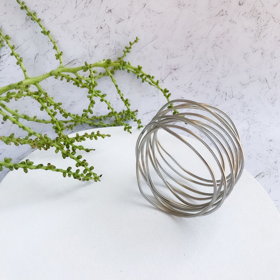 Claire - Modern silver wire bracelet