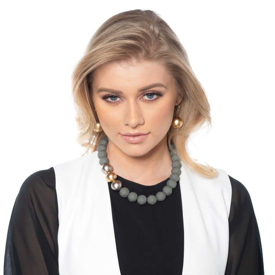 Louise - Effortlessly fashionable necklace & earrings