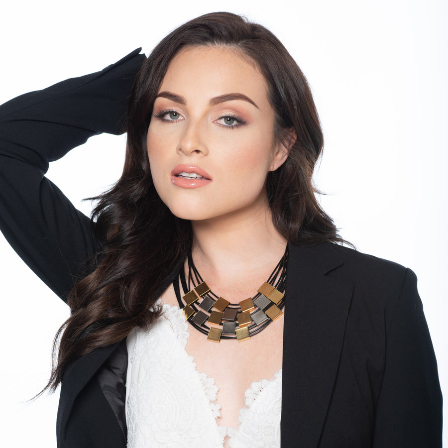 Lisa - Striking gold and silver collar necklace
