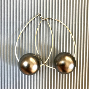 April dark gray ball earrings