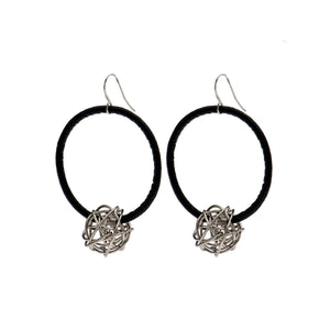 Aria - Black hoop earrings with sterling silver wire ball