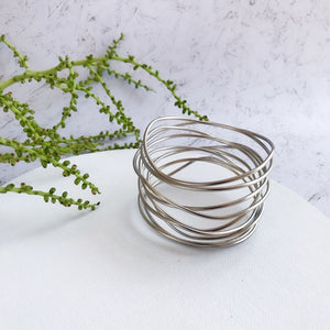 Claire - Modern sterling silver wire bracelet