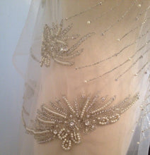 Load image into Gallery viewer, Rhinestone Beaded Applique, Great Rhinestone Fabric, Vintage Applique, Bridal Applique, Wedding Dress Fabric, Weddin Applique