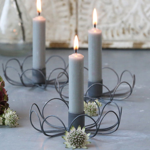 GREY WIRE FLOWER CANDLE HOLDER