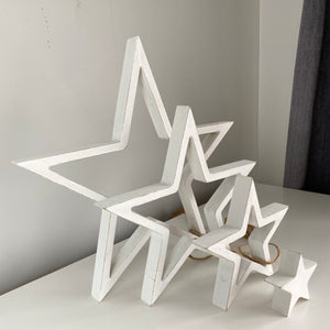 SET OF 4 WHITE OUTLINE STARS